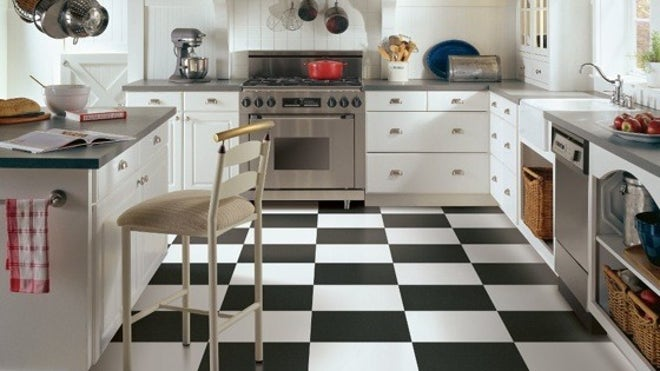 Zillow_CheckerKitchenFloorArmstrong-photo.jpg