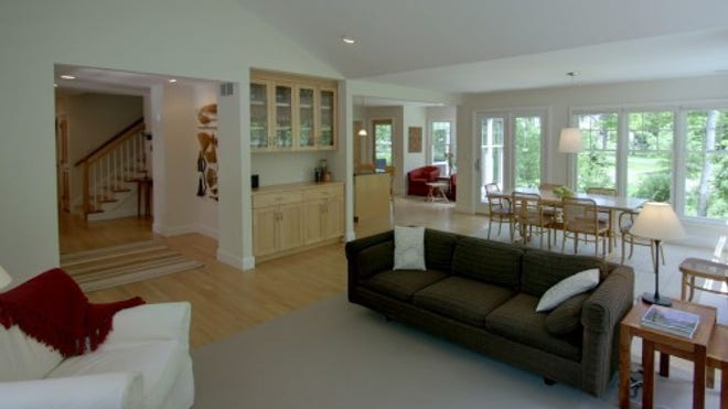 Zillow_Great-room-e1342802710837.jpg