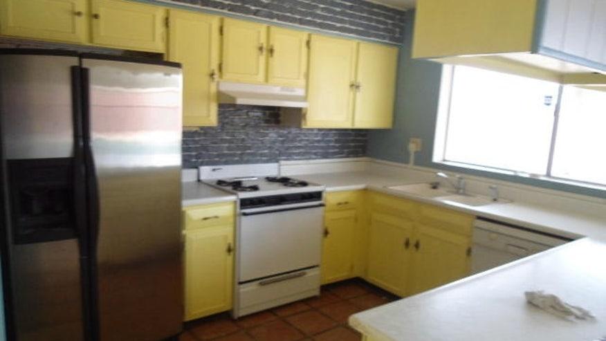 AOLre_kitchen.jpg