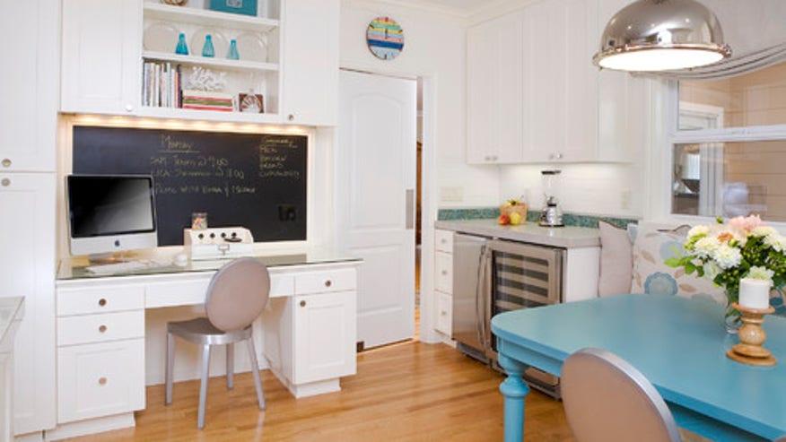 Houzz_AmorosoDes_43713_0_8-1000-contemp-kitchen.jpg