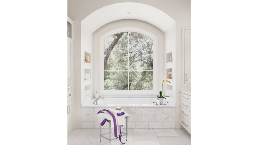Houzz_MarkAshby_contemporary-bathroom660.jpg