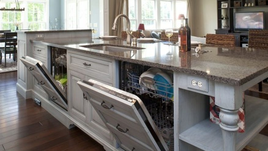 Houzz_MulletCabinet_traditional-kitchen.jpg