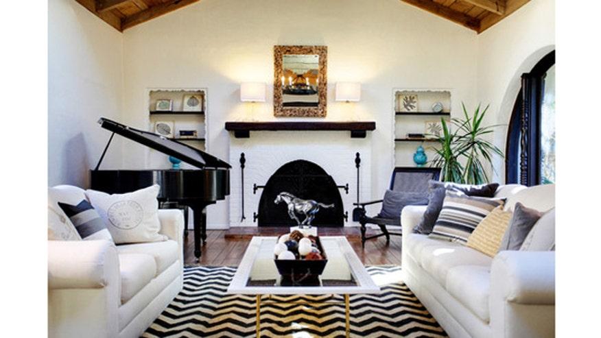 Houzz_StephWiley_mediterranean-living-room660.jpg