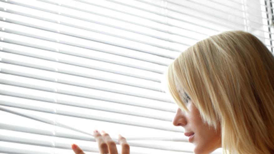 iStock_000009960001XSmall_WindowBlinds.jpg