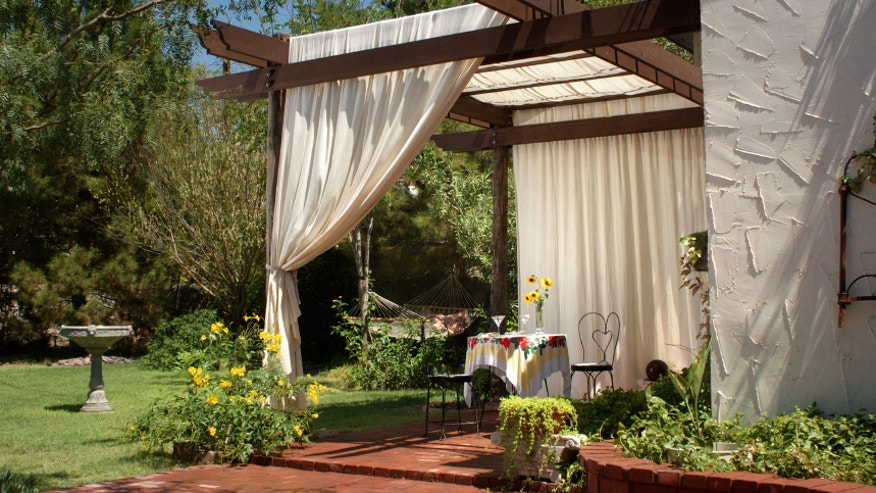 Designer Picks Tents And Canopies For Backyard Shade