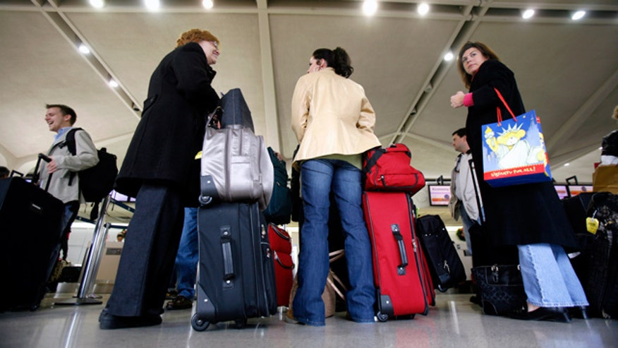 Air-Travelers-Luggage-Airport-Vacation