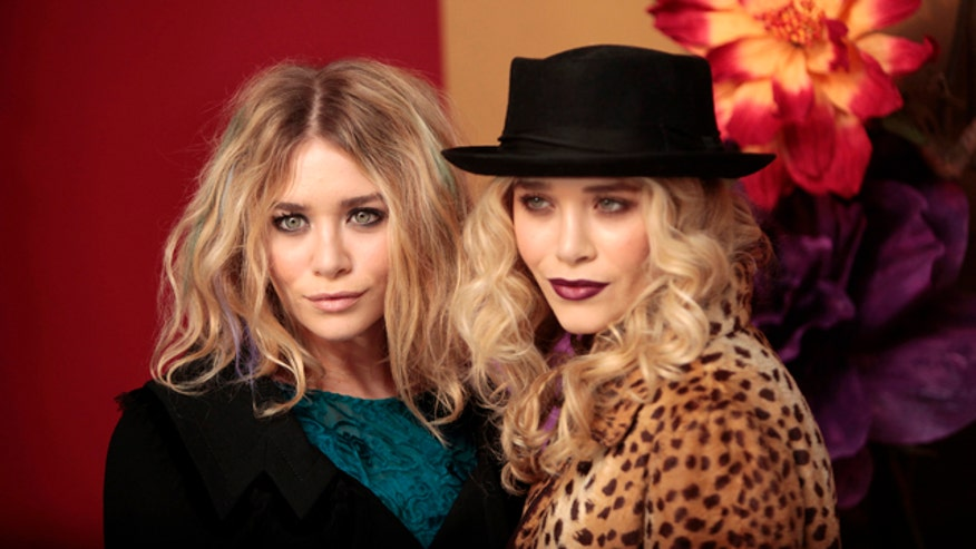 Celebrity Twins Mary-Kate and Ashley Olsen