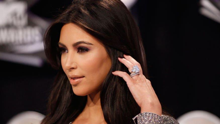 Kim-Kardashian-at-2011-MTV-VMAs
