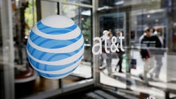 ATT has reached a deal for enhanced roaming and other cellphone services for wireless customers visiting Cuba.