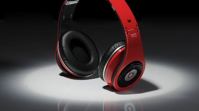 Beats By Dre Studio B Bluetooth version of the red.jpg