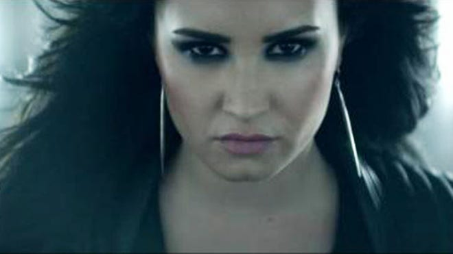 DEMI LOVATO HEART ATTACK.JPG