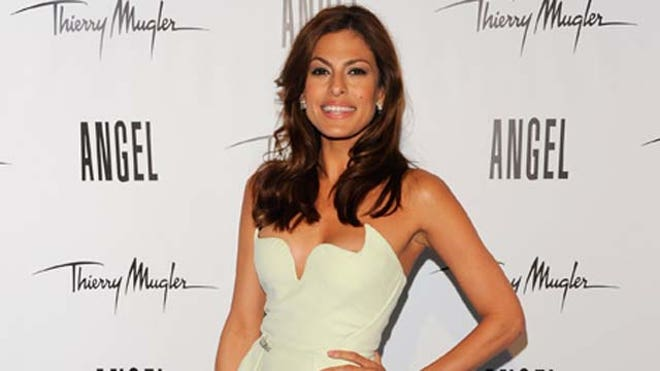 Eva-Mendes-Angel-Latino.JPG