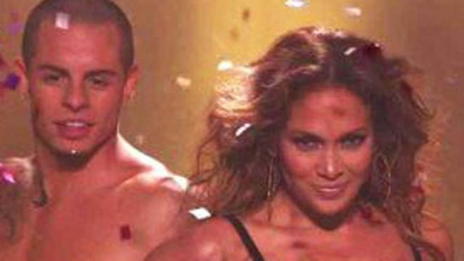JLO AND CASPER DO IDOL.jpg
