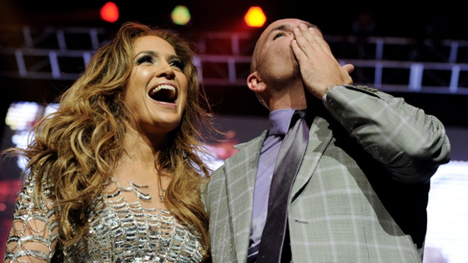 JLO AND PITBULL ALMA AWARDS.jpg
