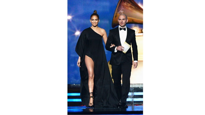 JLO HOT AT GRAMMYS.jpg