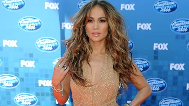 Jennifer Lopez Back on American Idol.JPG