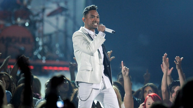 Miguel 2013 Billboard Music.jpg