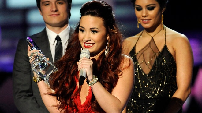 Peoples Choice Demi Lovato 2.jpg