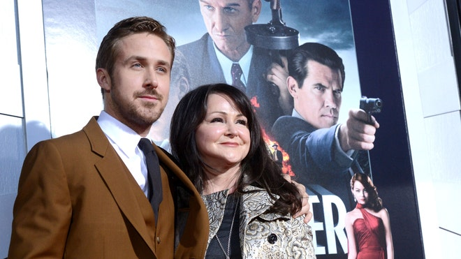 RYAN GOSLING AND MOM.jpg