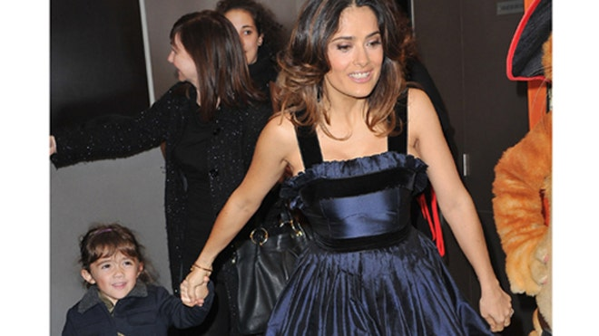SALMA HAYEK AND DAUGHTER 2.jpg