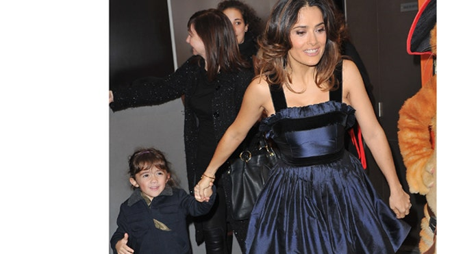 SALMA HAYEK AND DAUGHTER.jpg
