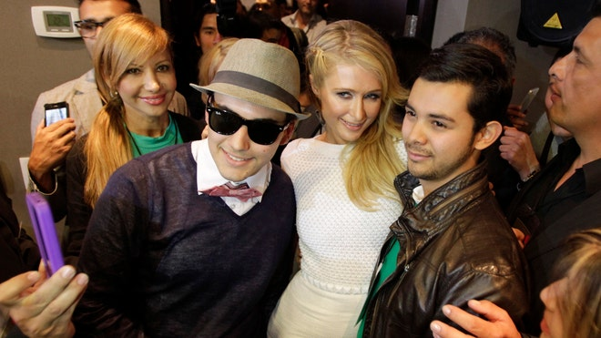 paris hilton colombia.jpg