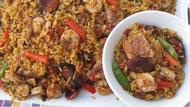 Brown Rice Chicken, Chorizo and Shrimp Paella Recipe | Fox News Latino