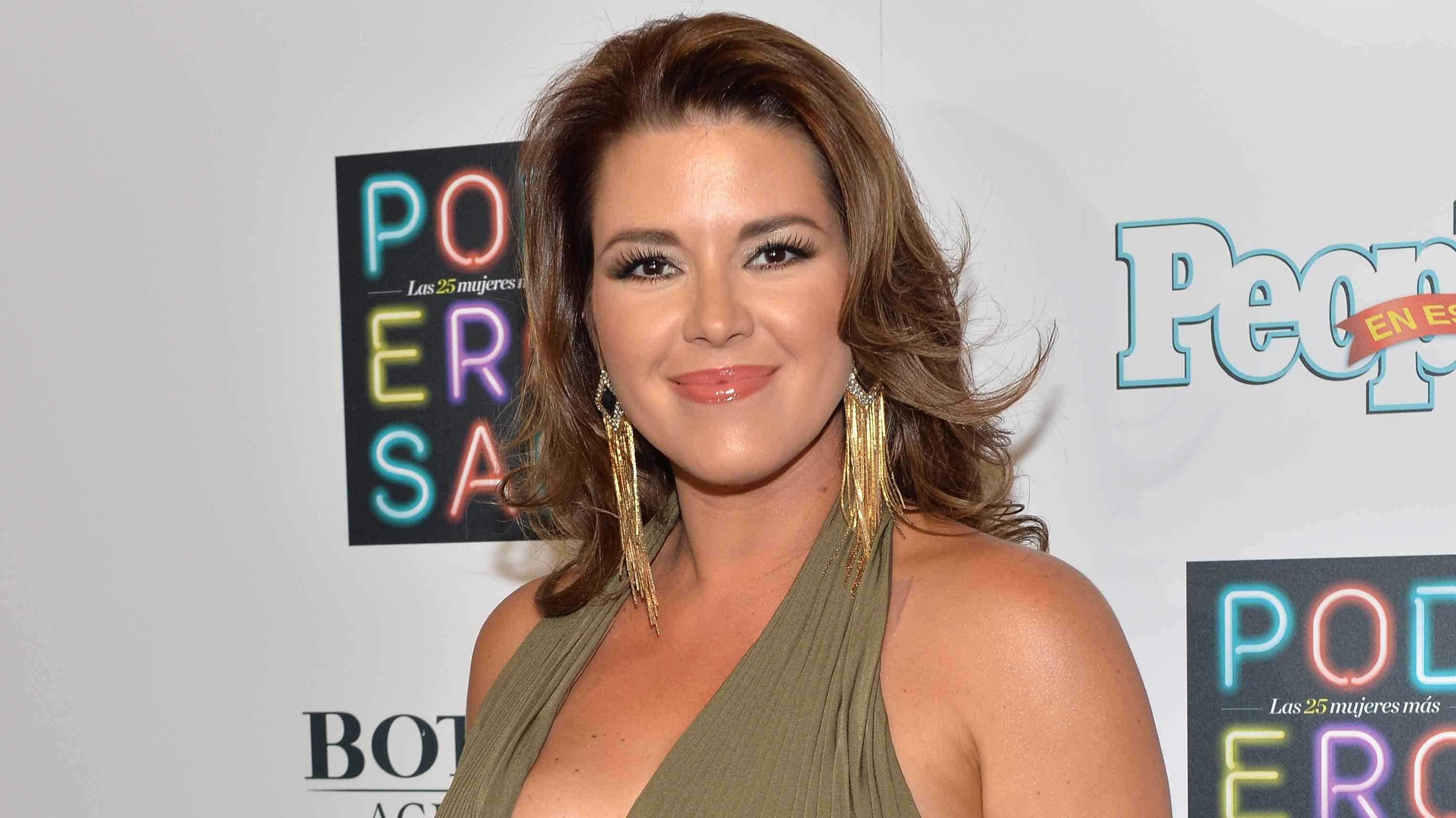 Former Miss Universe announces book on Donald Trump and ...
