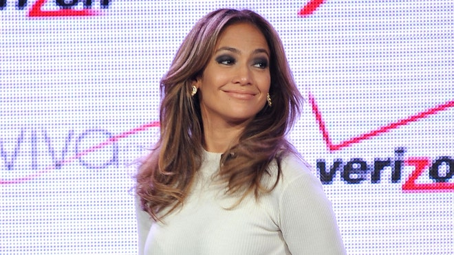 Jennifer Lopez Verizon.jpg