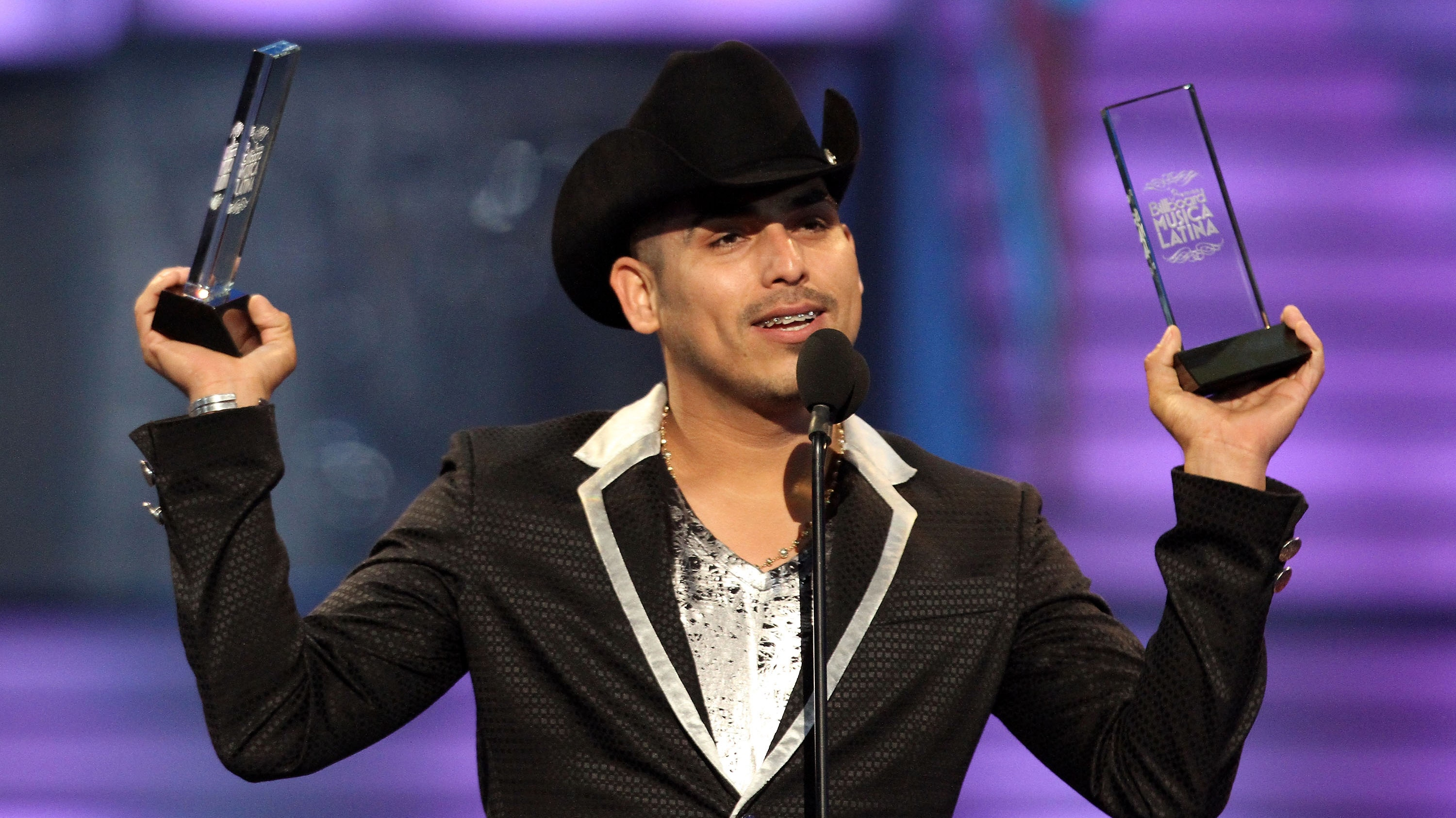 mexican music star espinoza paz why is he retiring fox news latino. Black Bedroom Furniture Sets. Home Design Ideas