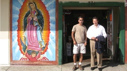To make their businesses successful, Latino entrepreneurs in Southern California have been turning to Eduardo Figueroa, a consultant, author, and workshop leader.