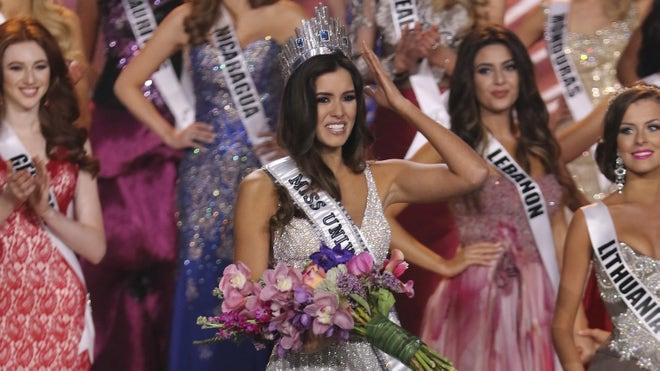 Miss Universe Colombia win.jpg