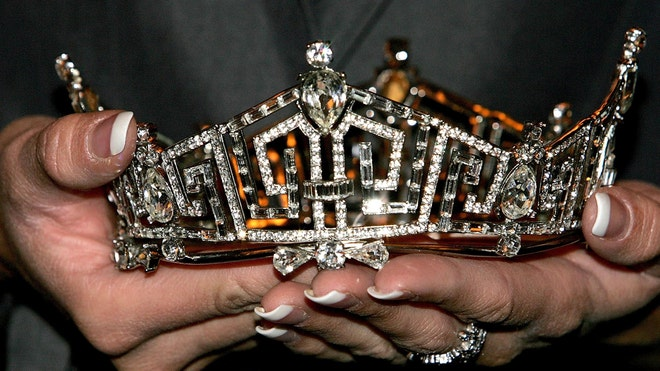 beauty queen crown.jpg