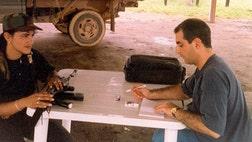 Martha González ingreso en las FARC a los  años, después de que militares asesinaron a su padre