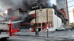 A report from El Universal newspaper says that the Mexico casino that thugs lit on fire had its doors chained.