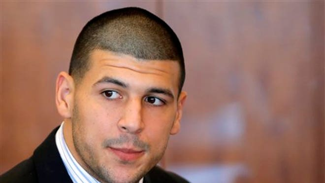 http://a57.foxnews.com/global.fncstatic.com/static/managed/img/fn-latino/news/660/371/AARON%20HERNANDEZ%20BACK%20IN%20COURT.jpg?ve=1&tl=1