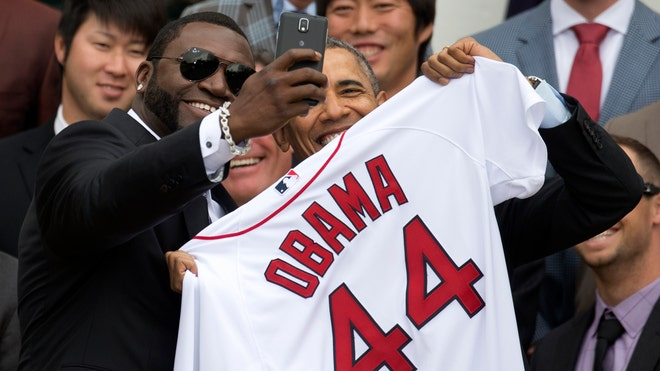 APTOPIX Obama Red Sox_Garc.jpg