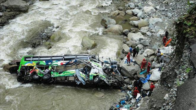 PERU BUS CRASH.jpg