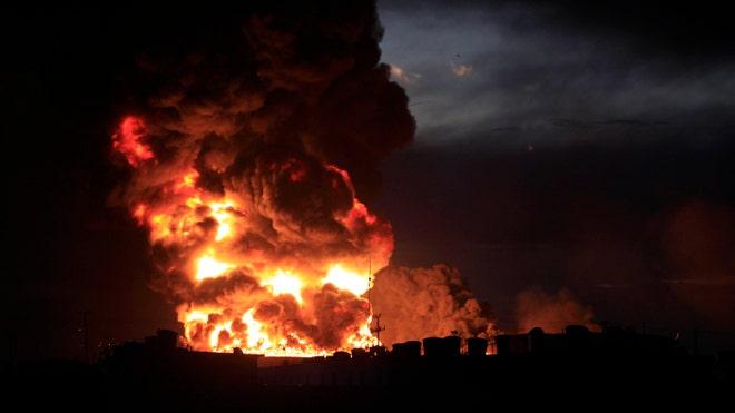Venezuela-refinery_art.jpg