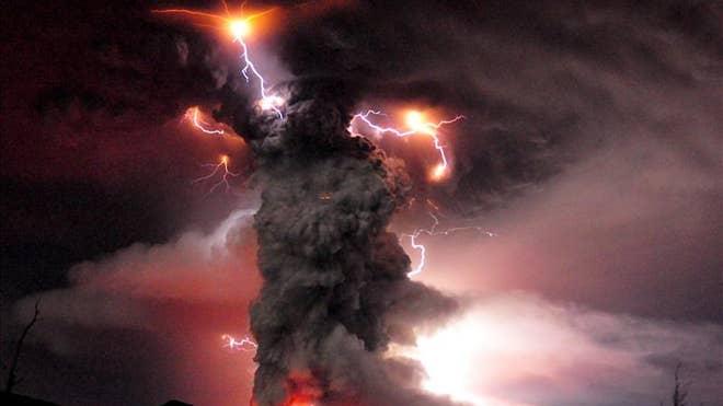 Volcano-Explodes-Four
