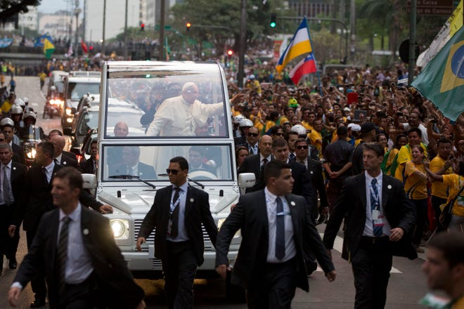 Brazil%20Pope%20World%20You_Garc%20%284%