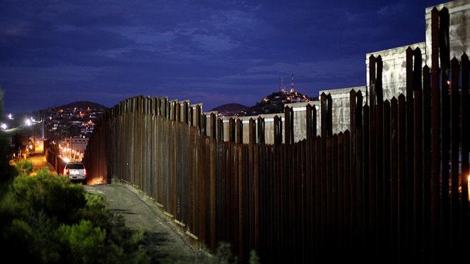 Border-wall_art.jpg
