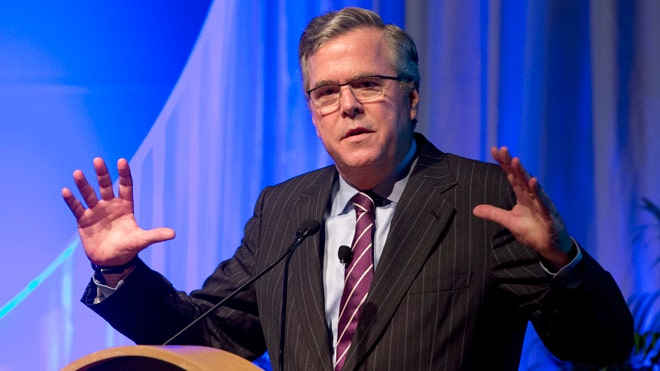 Jeb Bush Runniing Latino.jpg