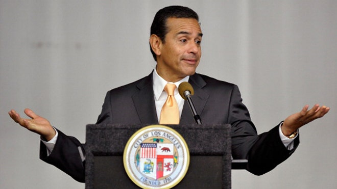 Mayor Antonio Villaraigosa.jpg