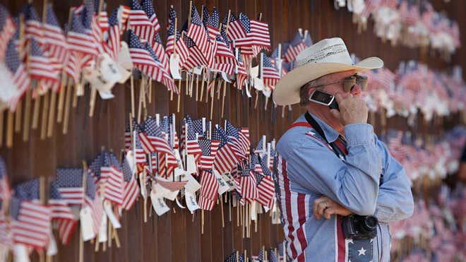 border-fence-az.jpg