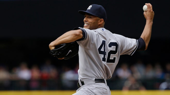 Mariano Rivera throwing.jpg