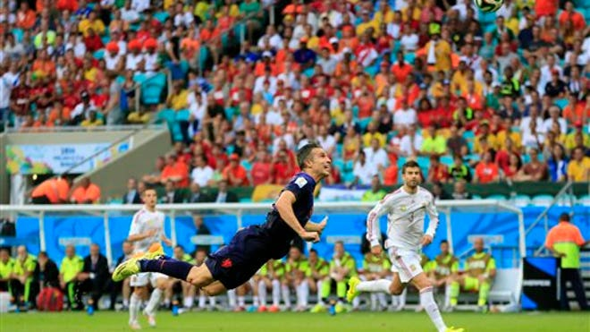 Van Persie Flying.jpg