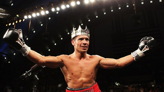 sergio martinez crown.jpg