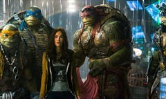 Moviegoers shelled out for Teenage Mutant Ninja Turtles, while Sylvester Stallone's action ensemble The Expendables  was easily out-gunned in its weekend debut.
