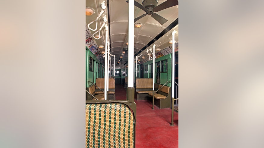 1930s new york subway train makes rare trip from queens to manhattan fox news. Black Bedroom Furniture Sets. Home Design Ideas